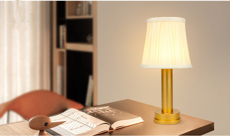 aluminum led wireless lamp